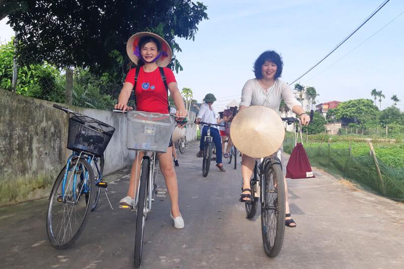 Đạp xe thăm quan khu du lịch sinh thái đồng quê