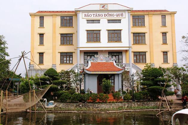 Khu vực ngoài trời bảo tàng Nam Định